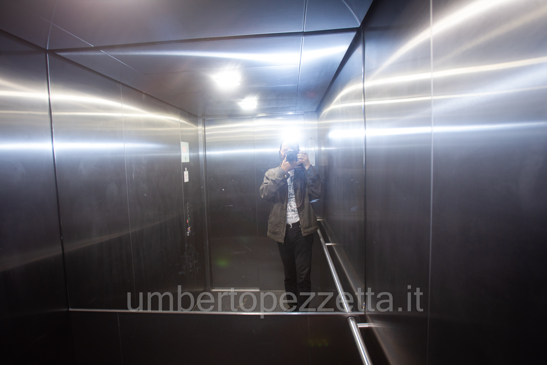 Önarckép a liftben, Zalaegerszeg, Hungary